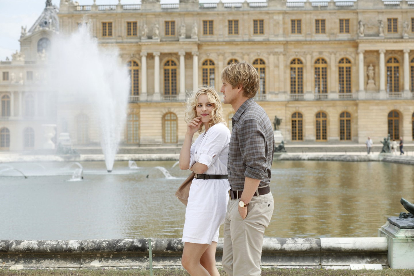 Midnight-in-Paris-2011-Woody-Allen-04