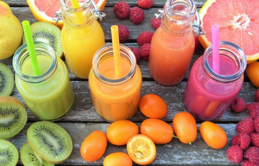 PARIS, THE BIG TREND OF FRESH JUICE. BUT ARE THEY REALLY THAT HEALTHY? STÉPHANIE DUFANT, NUTRITIONIST AT THE JAEGER INSTITUTE, EXPLAINS