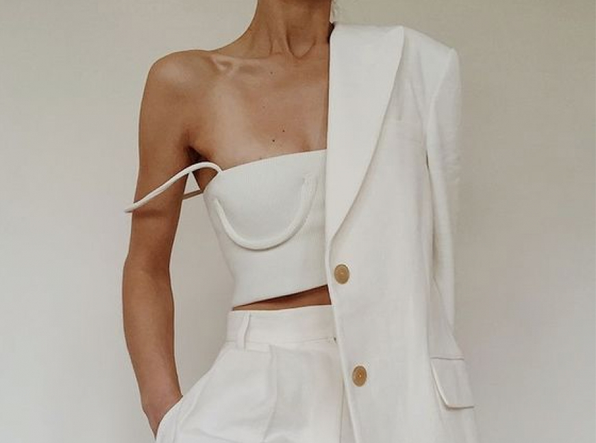 Parisian Fashion trend: a total white look. All shades of white.