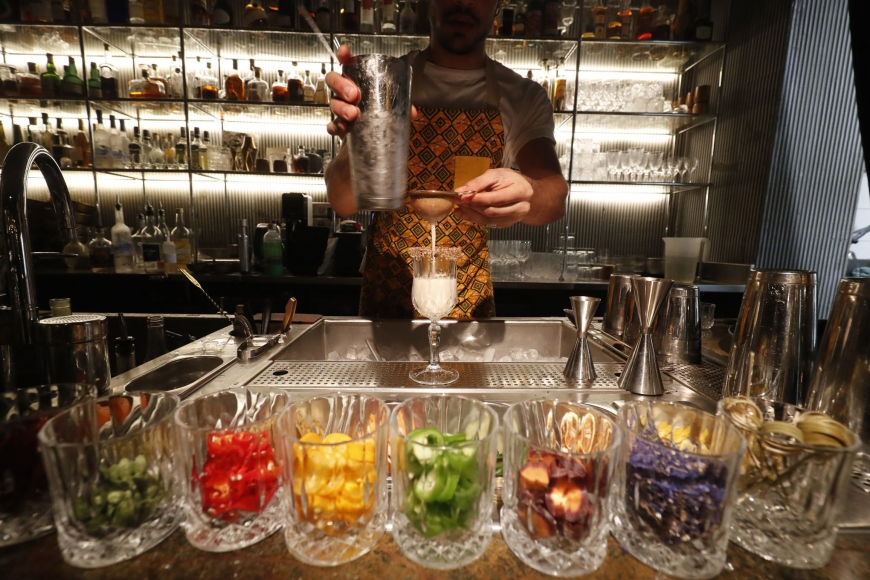UN'ARTE CHE FA TENDENZA,  COME IL COCKTAIL HA CONQUISTATO PARIGI…