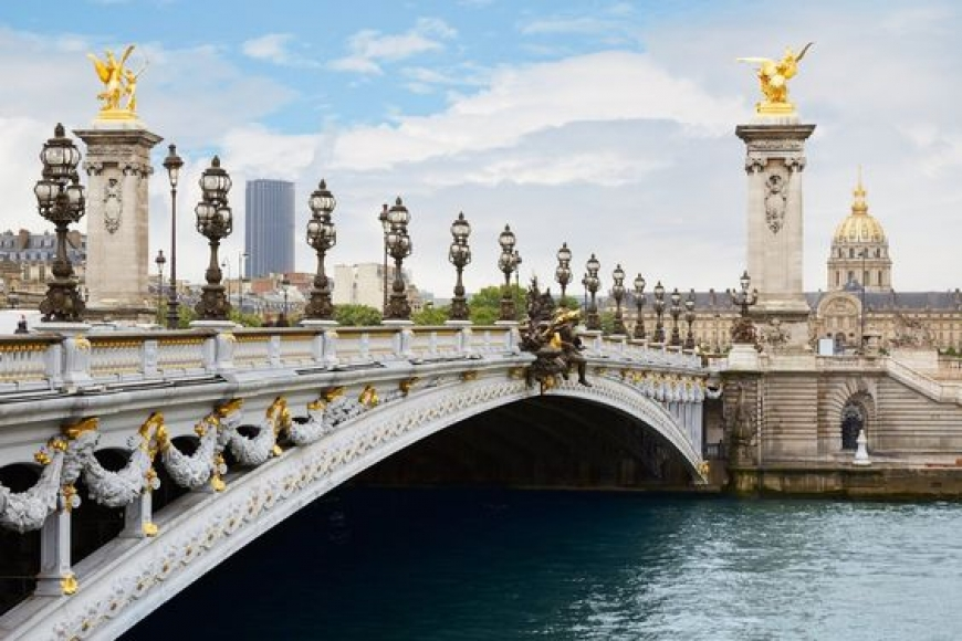 THE BRIDGES OF PARIS ARE MYSTERIOUS AND MAGICAL
