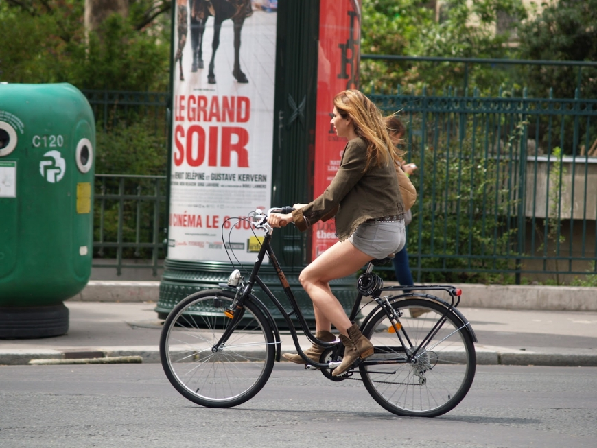 Biking through Paris