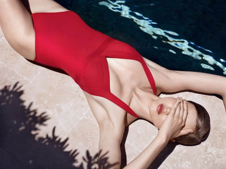 THE FAVORITE BATHING SUITS OF THE PARISIAN THIS YEAR