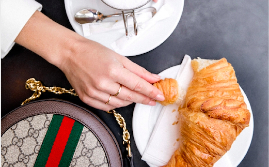 HOW TO RECOGNIZE A GOOD CROISSANT?