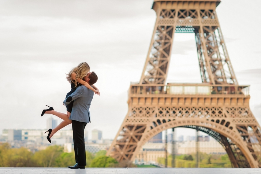 WHY IS PARIS THE CITY OF LOVE AND ROMANCE?